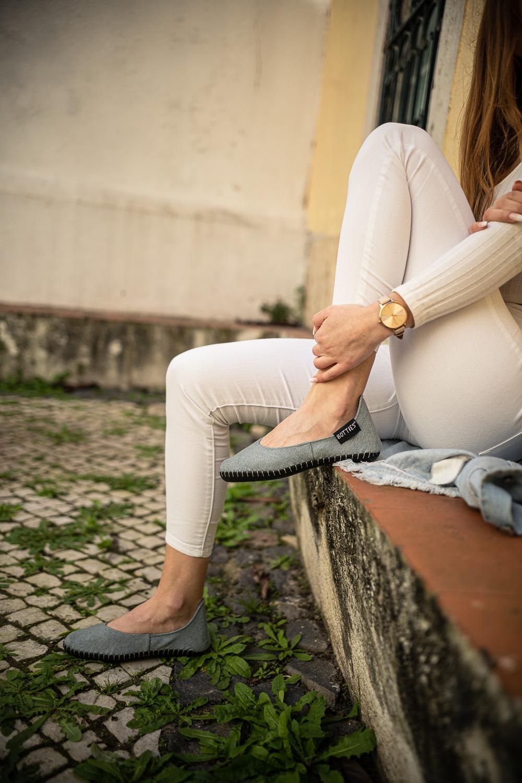 """Botties® Inspiration – Robuste Sohle DIY Schuhe – Ballerina – genähte Botties – Grauer Webstoff 350g """"Rom"""" von Swafing – Anleitungen und Schnittmuster"""