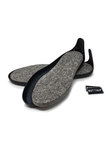 Black Botties Soles for Adults with wool felt insoles / Schwarze Botties-Sohlen für Erwachsene mit Wollfilz Einlegesohlen